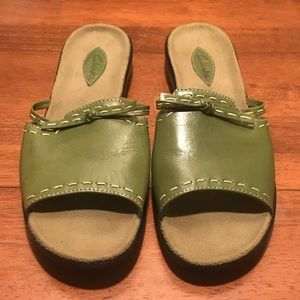 Clark's Leather Sandals, Olive Green,  SZ 8.5M